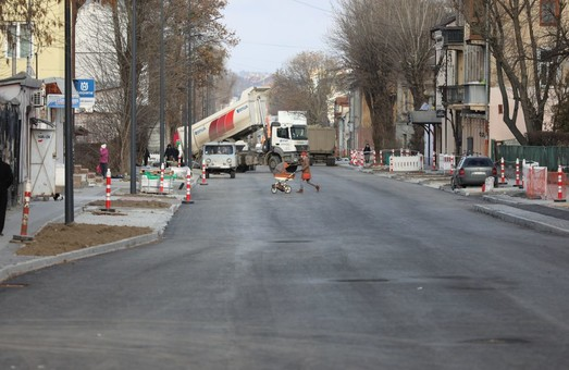 У Львові закривають для проїзду ділянку вулиці Богдана Хмельницького