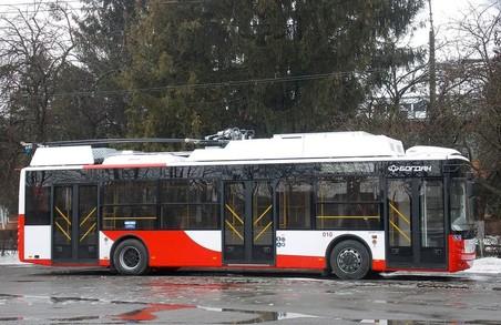 Луцьк отримав новий «антиковідний» тролейбус