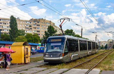 У Львові зібрали новий трамвай «Електрон» для Києва