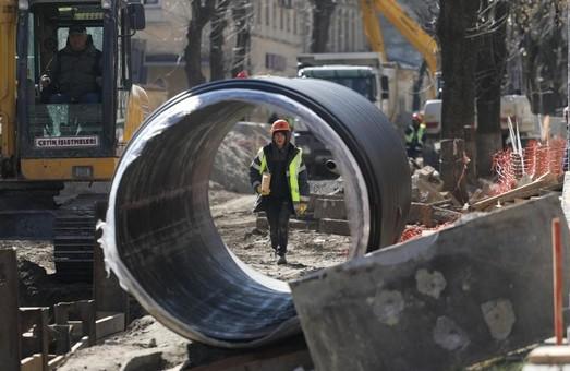 У Львові ліквідували прорив магістральної теплотраси на вулиці Науковій