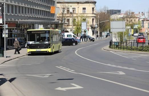 У Садового планують підвищити вартість проїзду в громадському транспорті Львова до 10 гривень