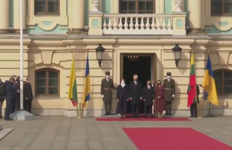 Президенти України і Литви зустрілися у Маріїнському палаці в Києві