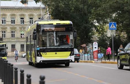 У Львові через реконструкцію вулиці Степана Бандери змінили чотири маршрути електротранспорту