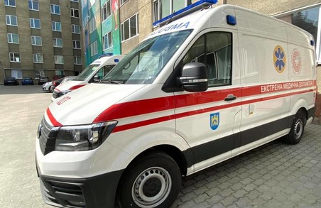 Клінічна лікарня швидкої допомоги міста Львова отримала сучасний реанімобіль (ФОТО)