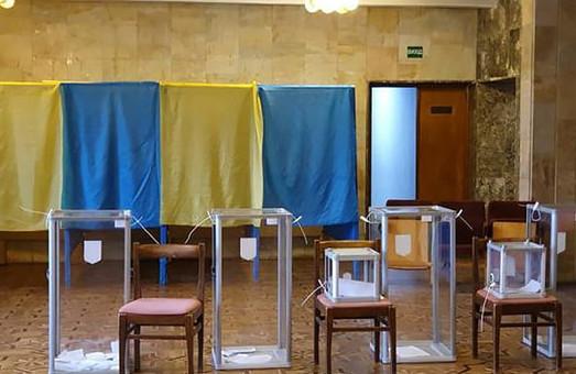 На Прикарпатті у 87-му окрузі лідирують Вірастюк та Шевченко