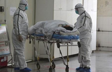 Через мутації коронавірусу Україну очікують іще складніші випробовування