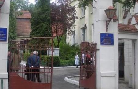 У Львівській обласній інфекційній лікарні немає місць для «ковідних» пацієнтів
