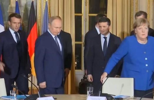 Зеленський буде розмовляти із Меркель та Макроном