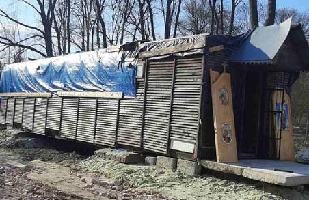 Львівський священник збудував нелегальну каплицю