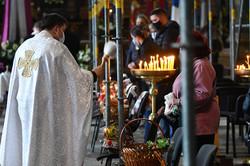 Як львів'яни святять паски (ФОТО)