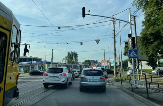 У Львові вимкнені світлофори спричинили транспортний колапс