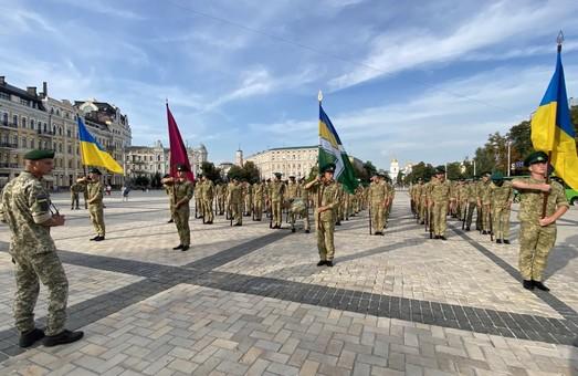 Військові на репетиції параду в Києві знову передали «привіт» Путіну